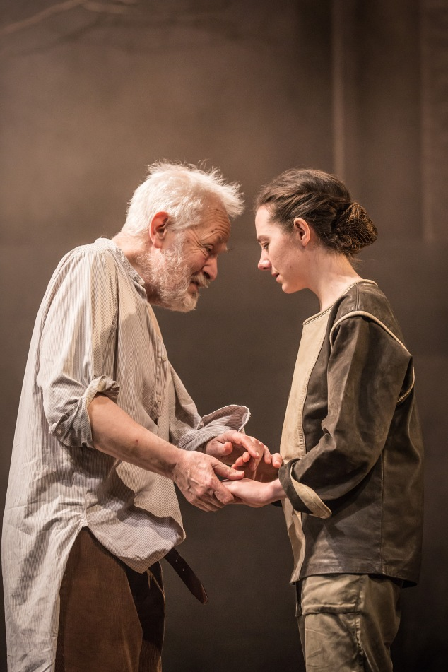 2. King Lear_Michael Pennington and Beth Cooke c Marc Brenner-1974