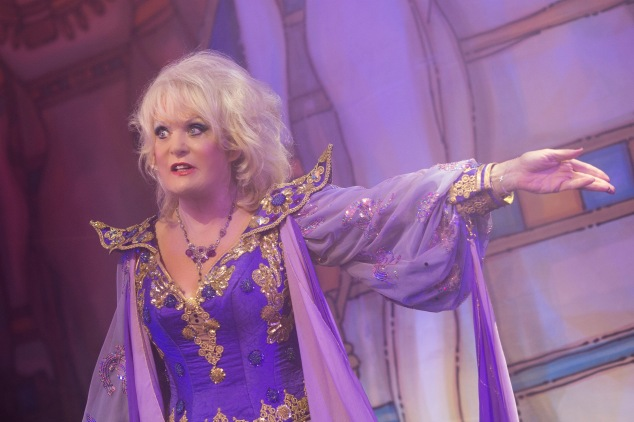 sherrie-hewson-as-genie-of-the-ring