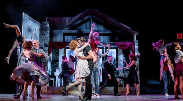 Dirty-Dancing-Ostend-4-(Centre)-Katie-Hartland-as-'Baby',-Lewis-Griffiths-as-'Johnny'-and-Carlier-Milner-as-'Penny'-with-Ensemble-(C)-Dreamteam-Pics