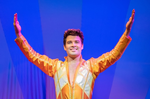 2)Joe McElderry in Joseph and the Amazing Technicolor Dreamcoat (c)Mark Yeom...