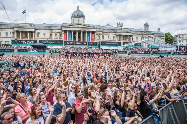 Crowds at West End Live 2017 (c) Pamela Raith