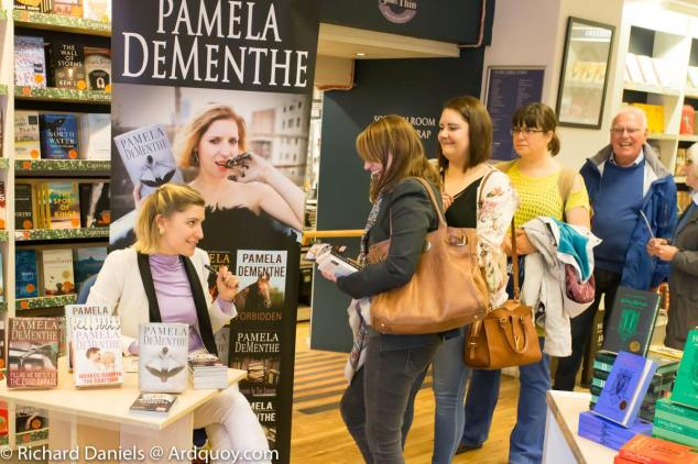 Pamela_Book_signing_at_Blackwells_Edinburgh